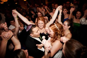 wedding-bride-and-groom-and guests-dancing-in-middle-hora-baltimore-wedding-dj
